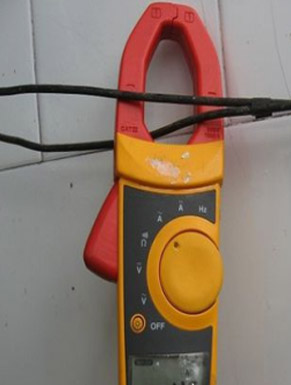 Clamp meter correct connection