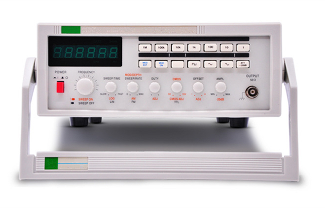 Panel Real Shot of Sweep/AM/FM Function Signal Generator